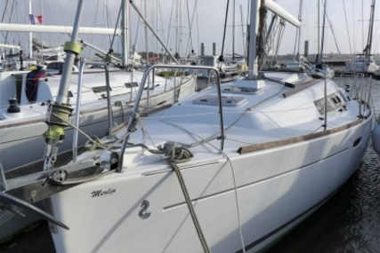 Beneteau Oceanis 31 Lifting Keel for sale in France for €52,500 (£46,356)
