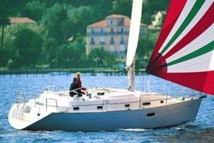Beneteau Oceanis 36 CC for sale in France for €58,000 (£50,687)