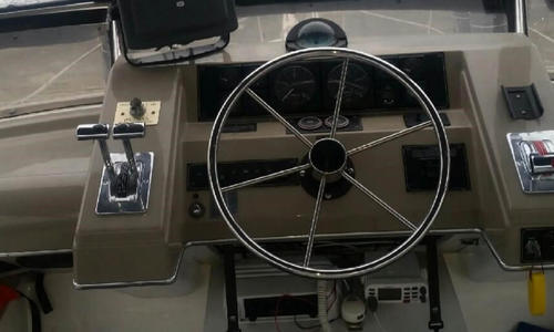 Image of Bayliner 4587 Cockpit for sale in United States of America for $170,000 (£119,416) Seward, Alaska, United States of America