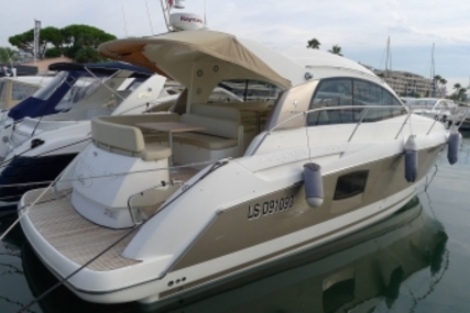 Prestige 38 S for sale in France for €185,000 (£166,222)