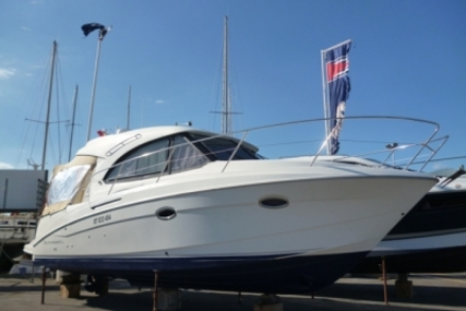 Beneteau Antares 30 S for sale in France for €105,000 (£93,650)