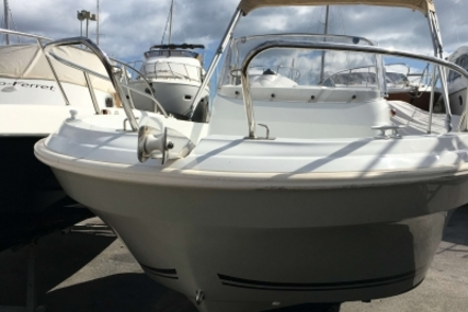 Jeanneau Cap Camarat 5.5 CC for sale in France for €22,900 (£20,425)
