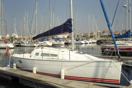 Jeanneau Sun Fast 26 for sale in Portugal for €25,000 (£22,320)