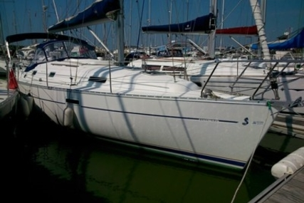 Beneteau Oceanis 331 Clipper for sale in France for €47,000 (£41,962)