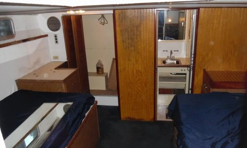 Image of Chris-Craft 410 Commander for sale in United States of America for $25,900 (£18,600) Palmerton, Pennsylvania, United States of America