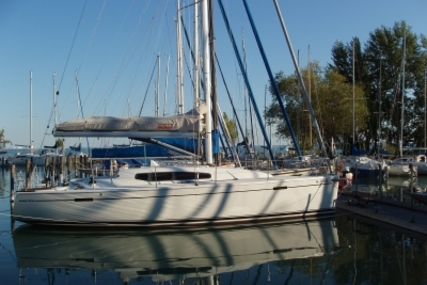 Dehler 35 SQ for sale in Hungary for €110,000 (£97,800)