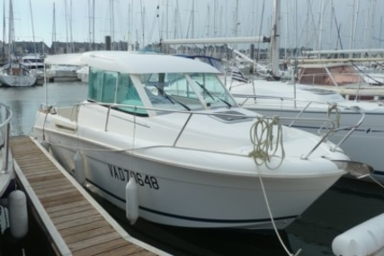 Jeanneau Merry Fisher 655 for sale in France for €25,000 (£22,320)