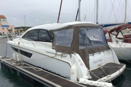 Jeanneau Leader 10 for sale in France for €199,000 (£177,465)