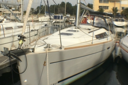 Beneteau Oceanis 34 for sale in France for €83,000 (£74,174)