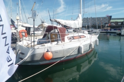 Alubat Ovni 28 for sale in France for €30,000 (£26,489)