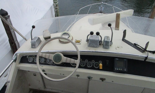 Image of Chris-Craft 380 Commander for sale in United States of America for $29,950 (£22,547) Freeport, New York, United States of America