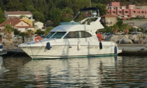 Image of Prestige 36 for sale in France for €142,000 (£123,497) ARCACHON, France