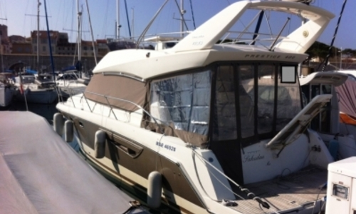 Image of Prestige 400 for sale in France for €220,000 (£196,192) ANTIBES, France