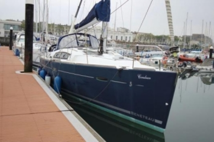 Beneteau Oceanis 43 for sale in Ireland for €109,950 (£95,867)