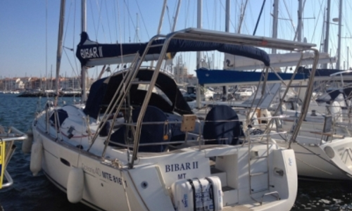 Image of Beneteau Oceanis 40 for sale in France for €98,000 (£88,042) LE CAP D'AGDE, France