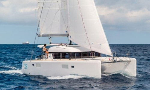 Image of Lagoon 39 for sale in France for €379,000 (£338,698) France