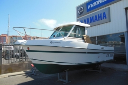 Jeanneau Merry Fisher 605 for sale in France for €15,900 (£14,136)