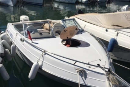 Four Winns Sundowner 205 for sale in France for €15,000 (£13,235)
