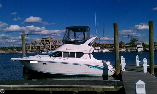 Image of Silverton 312 Sedan Cruiser for sale in United States of America for $21,500 (£15,304) New London, Connecticut, United States of America