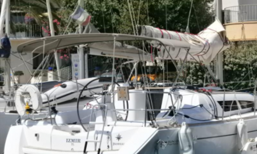Image of Jeanneau Sun Odyssey 36i Performance for sale in France for €83,000 (£74,028) BANDOL, France