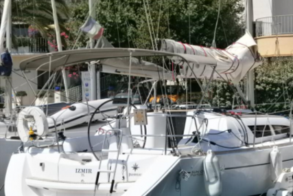 Jeanneau Sun Odyssey 36i Performance for sale in France for €83,000 (£72,737)
