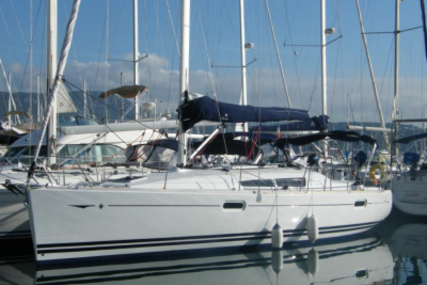 Jeanneau Sun Odyssey 39i for sale in France for €87,000 (£77,023)