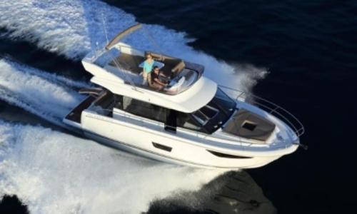 Image of Jeanneau Velasco 37 F for sale in France for €395,000 (£348,666) France