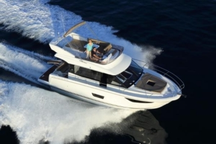 Jeanneau Velasco 37 F for sale in France for €395,000 (£345,319)