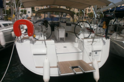 Jeanneau Sun Odyssey 439 for sale in France for €198,000 (£174,284)