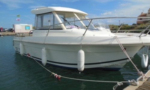 Image of Jeanneau Merry Fisher 625 for sale in France for €19,900 (£17,764) LE CAP D'AGDE, France