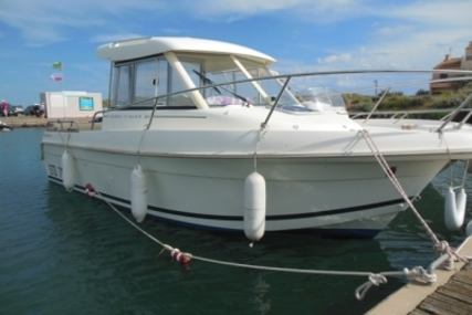 Jeanneau Merry Fisher 625 for sale in France for €19,900 (£17,835)
