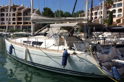 Jeanneau Sun Odyssey 36i Performance for sale in France for €96,000 (£85,636)