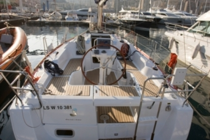 Beneteau Oceanis 31 for sale in Spain for €128,785 (£114,568)