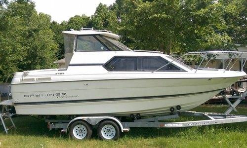 Image of Bayliner 2452 Classic for sale in United States of America for $18,500 (£13,887) Burlington, North Carolina, United States of America
