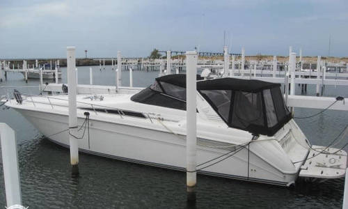 Image of Sea Ray 480 Sundancer for sale in United States of America for $79,999 (£61,433) Michigan City, Indiana, United States of America
