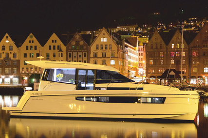 DELPHIA YACHTS Platinum 989 for charter in Poland from €1,540 / week