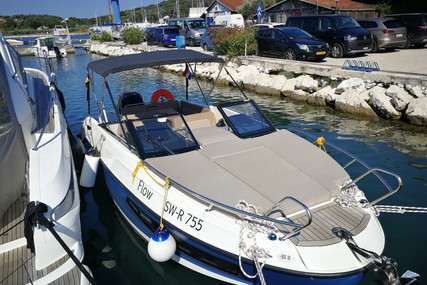 Quicksilver 755 Activ for charter in Croatia from €1,000 / week