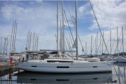 Dufour Yachts 520 GL for charter in Italy from €3,350 / week