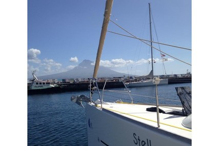 Dufour Yachts 410 GL for charter in Portugal from €2,300 / week