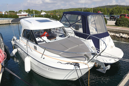 Beneteau Antares 8 for charter in Croatia from €1,000 / week