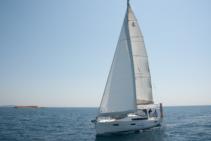 Beneteau Oceanis 41 for sale in Greece for £128,000