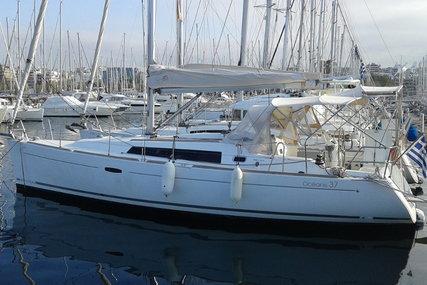 Beneteau Oceanis 37 for sale in Greece for £59,500