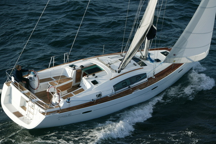 Beneteau Oceanis 40 for sale in Italy for £90,000
