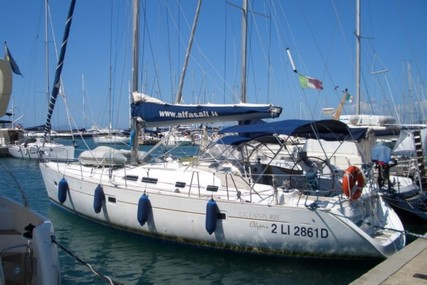 Beneteau Oceanis 423 for sale in Italy for £70,500