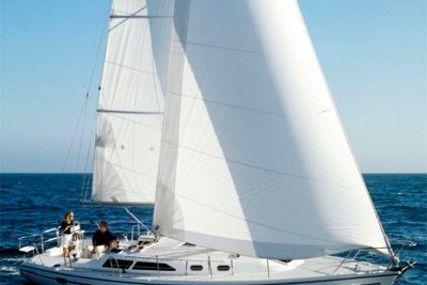 Catalina Catalina 36 for charter in Canada from €2,286 / week