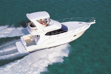 Silverton 34 C for charter in Canada from €3,511 / week