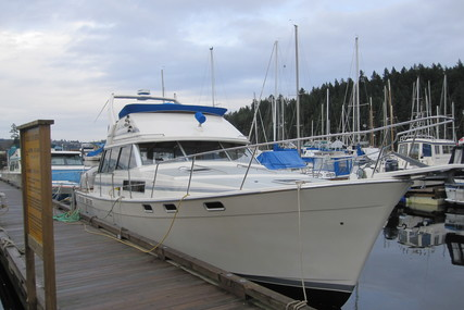 Bayliner 3888 for charter in Canada from €2,633 / week