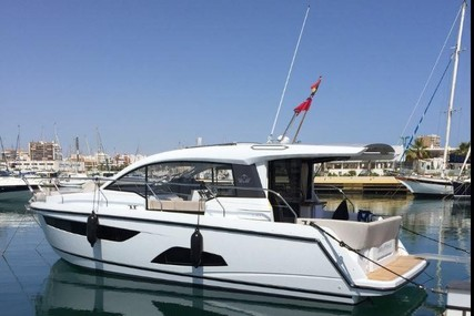 Sealine C330 for charter in Greece from €2,500 / week
