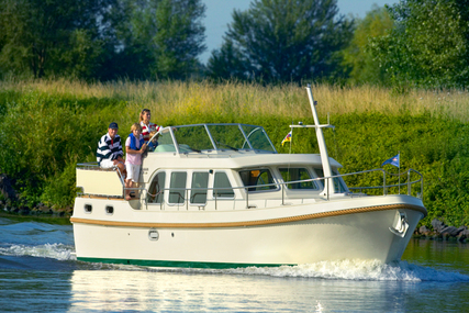 Linssen 33.9AC for charter in France from €1,700 / week