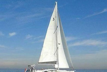 Beneteau Oceanis 40 for charter in Netherlands from €1,730 / week